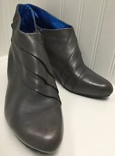 "Tsubo Women's Gray Leather Pleated 3"" Heel Ankle Boots Size 9.5 Side Zip"