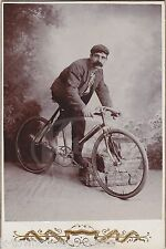 EARLY BICYCLE CYCLIST ON HIS RACING BIKE CRISP ANTIQUE CABINET CARD PHOTOGRAPH