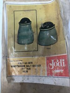 NIB NOS Jodi Molds by Gare J-1870 Handthrown Salt Shaker