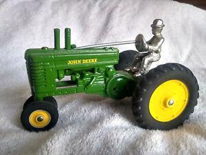 Vintage 1938 ARCADE 1/16 John Deere A  Tractor Rubber Wheels
