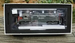 HO Southern Pacific SP GP40-2   ATHEARN Genesis NEW!!