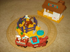 FISHER PRICE GEOTRAX WESTERN TOWN BULL CORRAL RAIL TRACK RAILROAD TRAIN SET LOT