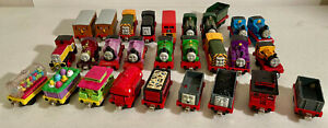 Lot of 28 Thomas & Friends Take N Play DieCast Train Magnetic Engines & Cars