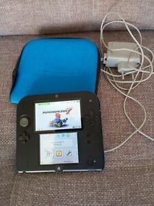 Nintendo 2DS Mario Kart 7 avec chargeur Carte SD 4GO état de jeu