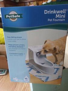 PetSafe Drinkwell Mini Pet Water Fountain with 40 oz Water Capacity NIB