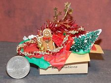 Dollhouse Miniature Christmas Decorations Box G 1:12 in scale F45 Dollys Gallery