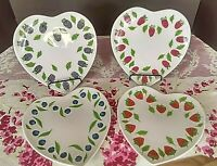 William Sonoma Heart Berry Dessert China Plates Set of 4
