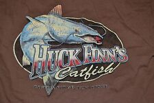 Huck Finn's Catfish Southern Cuisine Restaurant T Shirt Medium Pigeon Forge TN