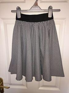 Black/White Chequered Skirt, Black Elastic Waistband, Age 7-8-9-10 dance costume