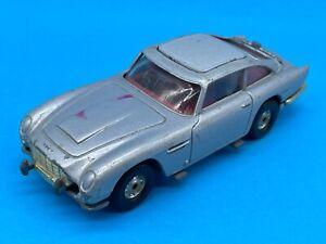 1981 Corgi James Bond 007 Aston Martin DB5 No. 271 Diecast Vehicle Car Toy