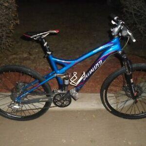 Specialized Stumpjumper  Comp full suspension mountain bike
