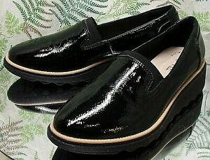 CLARKS PATENT BLACK LEATHER LOAFERS SLIP ONS DRESS WORK SHOES US WOMENS SZ 8 W