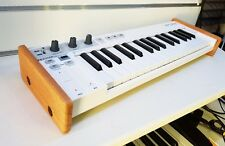 ARTURIA KEYSTEP SOLID OAK END CHEEKS STAND FROM SYNTHS AND WOOD