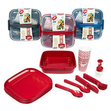 New 32 Piece Plastic Picnic Set