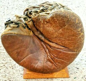 VINTAGE 1900-1910 EARLY YOUTH BASEBALL GLOVE, W/CUSTOM DISPLAY STAND, RARE!
