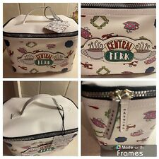 FRIENDS THE TV SHOW MAKE UP BAG/VANITY CASE..BRAND NEW..CENTRAL PERK..