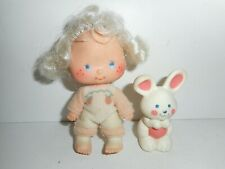 Vintage Strawberry Shortcake Apricot with Hopsalot Bunny Doll Figure 1979