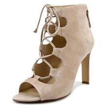 Zapatos de tacón de mujer Nine West color principal crema de ante