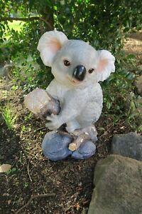 AUSTRALIAN KOALA ON A BRANCH ANIMAL GARDEN STATUE ORNAMENT FIGURINE GIFT