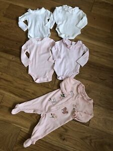 Small Bundle Of Baby Girls Long Sleeve Vests/. Age 0-3 Months 💕sleepsuit