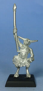 CITADEL - Chaos - Beastman Ungor Skirmisher with Spear (a) - Warhammer