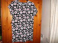Cute black, white and pink flowery print tunic top, ATMOSPHERE, size 8-10, NEW