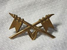 Lot14 - Unknown Military Collar Badge (I Think) - Crossed Flags or Spears