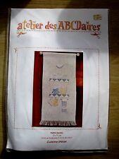 """Kit """"Cuisine bleue"""" de l'atelier des abécédaires (kit complet au point de croix)"""