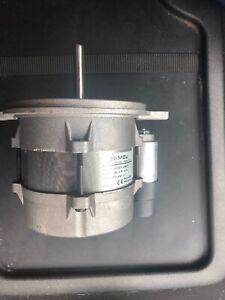 Simel 230v Motor. Type. ZD NU/2072