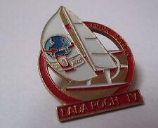 Pin's voiture / Lada Poch IV - voilier Loick Peyron