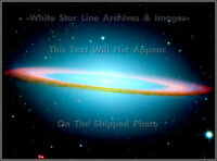 POSTER PRINT: Sombrero Messier 104 Galaxy: Hubble Space Telescope