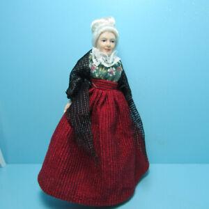 Dollhouse Miniature Poseable Victorian Country Grandma Grandparent Doll G7660