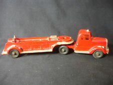 Old Vtg Tootsietoy Red Fire Truck Engine Toy Diecast Made In The USA