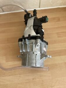 Karcher Genuine K2 Pump Pressure Washer Cylinder Head. Used Excellent Condition