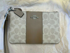 Brand New Coach Wristlet Clutch Pouch Bag in Colourblock Signature Canvas, Taupe