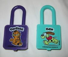 GARFIELD Plastic twist padlock pair 1978 Kellogg's Cereal Premium purple teal