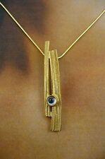 Escocés Ola Gorie 9 Ct Oro Amarillo Woodwick Colgante Topacio Azul Piedra
