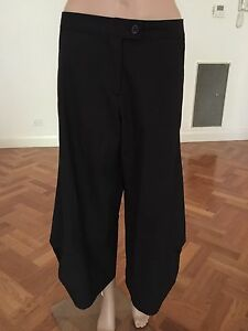 MOTY'S COLLECTION PARIS Women's wide Leg Pants Size 40'( France) New Without Tag
