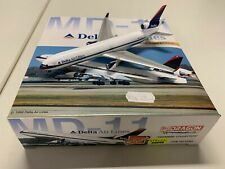"""Delta Airlines MD-11 (N-804DE) """"Chrom Belly"""", 1:400 Dragon Wings"""
