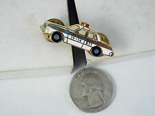 WHITE MONTREAL POLICE CAR PIN