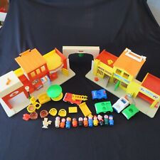 Fisher Price Little People Play Family VILLAGE #997 Vintage 31 pieces