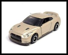 TOMICA #94 NISSAN SKYLINE GT-R R35 1/61 TOMY GTR 35 DIECAST Champaign Gold 榮光