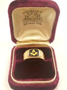Vintage Men's Free Mason Ring Onyx Stone 14kt. Gold  size 10
