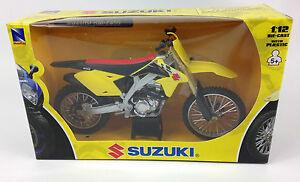 NewRay Toys Suzuki RMZ 450 Motocross Bike model - 1/12