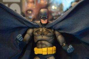 MEDICOM MAFEX No.105 Batman Hush Action Figure Used
