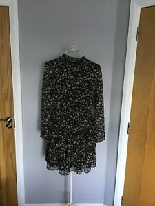 Pretty black floral dress by ASOS size 18 BNWT 👗