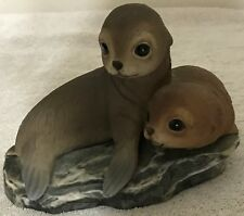"""Homco Home Interiors Masterpiece Porcelain Two Seals 1981 Vgc 6"""" Wide 5"""" Tall"""