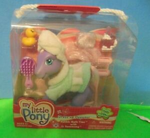 My Little Pony  g3  Sweetsong  bubble bath time robe & hair towel & accessories