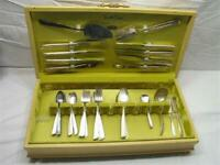South Seas Silverplate Dinner Set & Chest Oneida Community Flatware 53 pc Lot