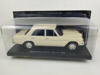 Auto Mercedes-Benz 200 D 1968 Maßstab 1/24 Diecast